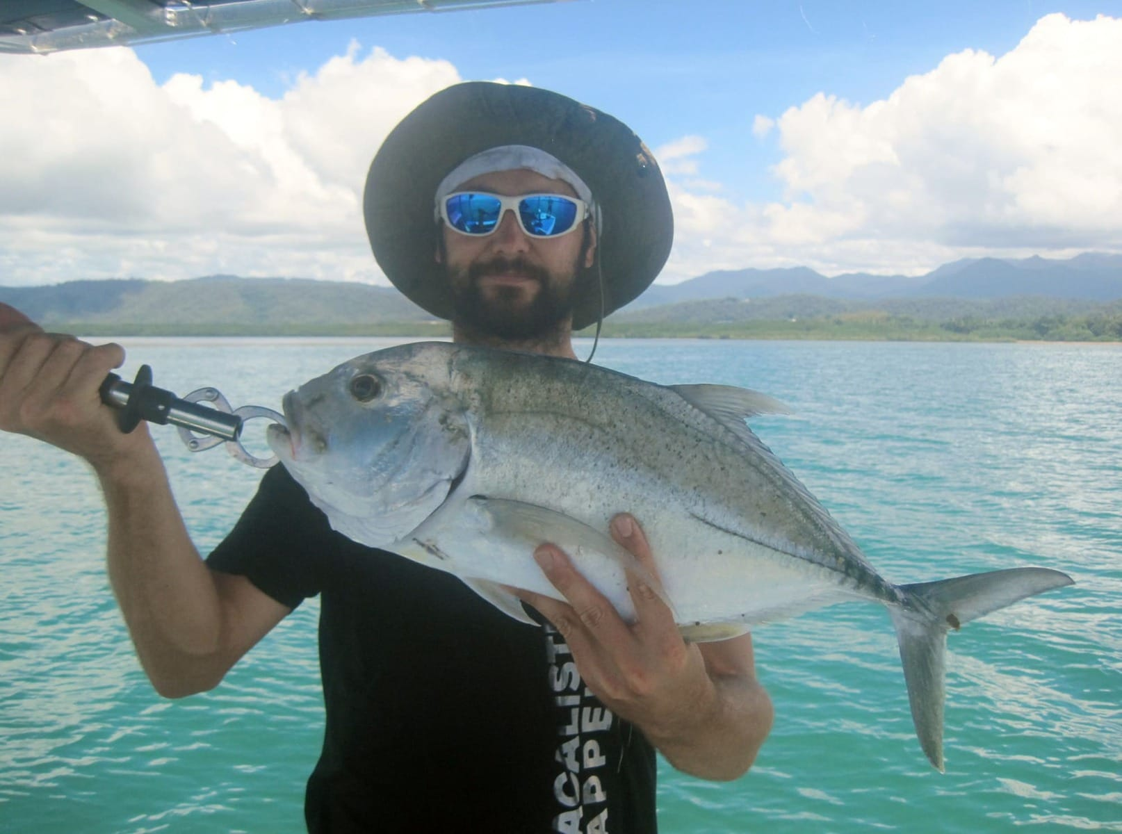 hookup fishing The boyne tannum hookup is australia's top family fishing competition which is held annual with the aim of bringing together friends and family from all parts of australia.