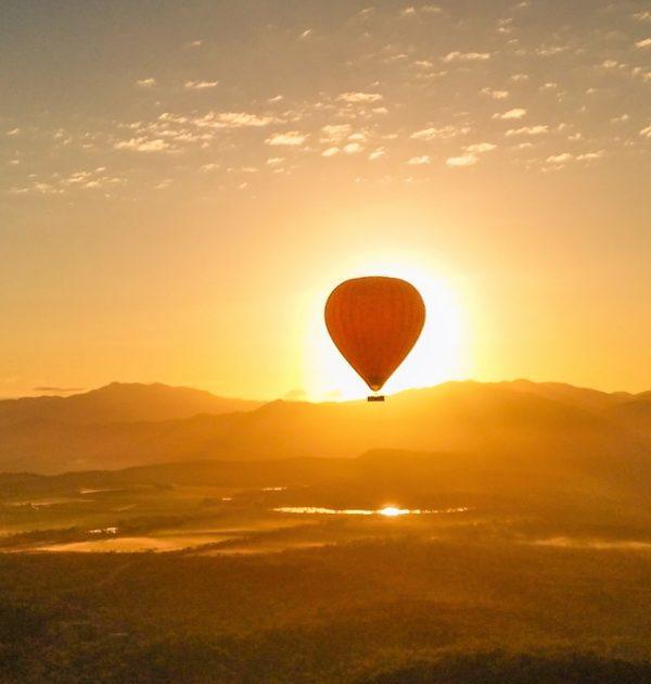 hot air balloon port douglas tablelands sunrise photography free wifi