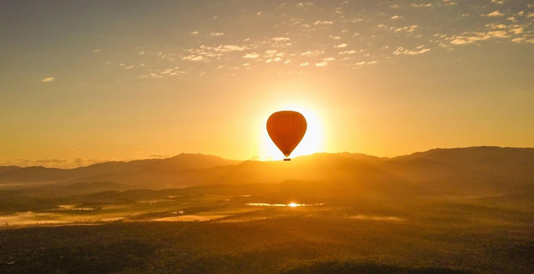 hot air balloon port douglas tablelands sunrise photography free wifi